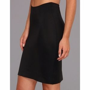 Spanx Simplicity Black Half Slip BodyCon Medium